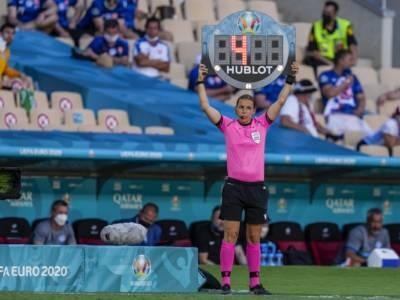 Calcio, Olimpiadi Tokyo: l'italiana Manuela Nicolosi tra gli arbitri di Nuova Zelanda-Stati Uniti