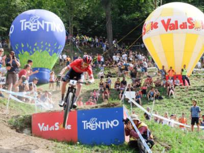 Mountain Bike, Coppa del Mondo XCO 2021: Flueckiger e Lecomte trionfano a Les Gets. Bene i fratelli Braidot e Colledani