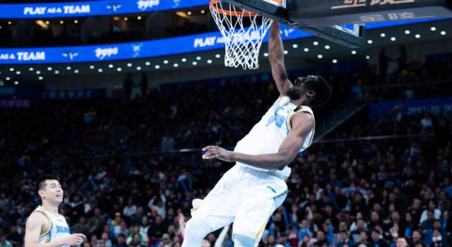 Basket: Virtus Bologna, c'è Ekpe Udoh sotto canestro. Saluta Julian Gamble