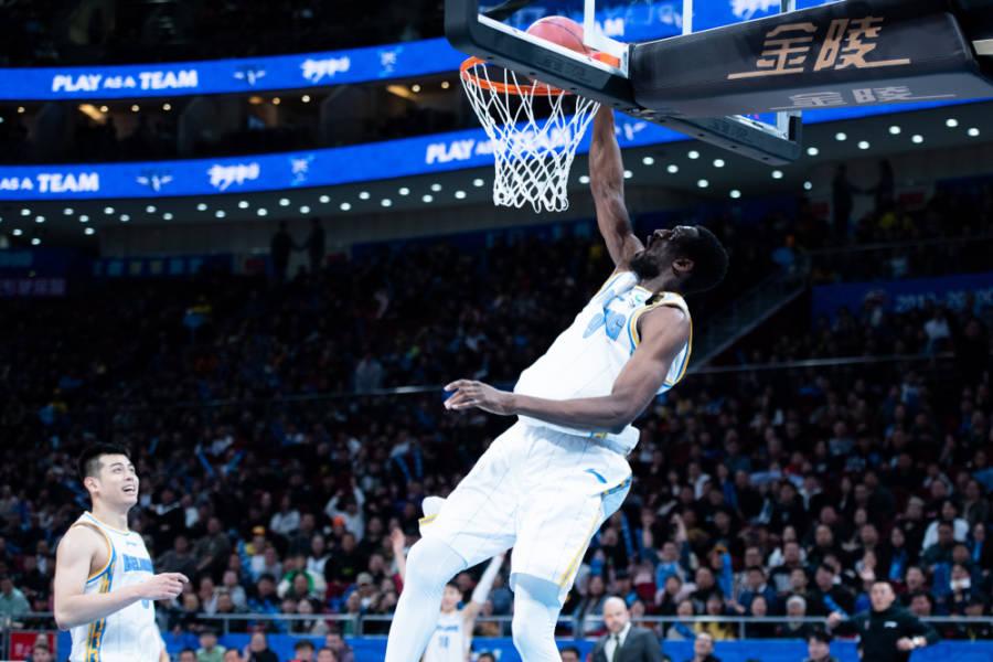 Sotto canestro: il sogno olimpico dell'Italia del basket