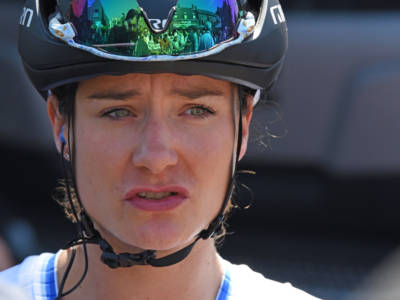 Giro Rosa 2021, Marianne Vos trionfa a Ovada, beffata Lucinda Brand. Anna Van der Breggen resta in Rosa