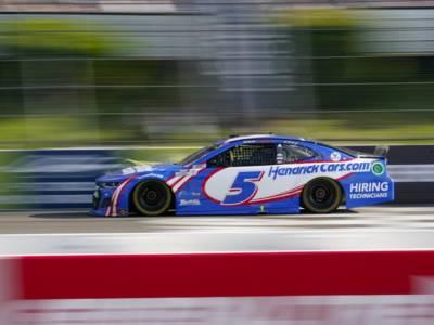 NASCAR, Bristol: Larson rovina la festa di Harvick, vince per la sesta volta