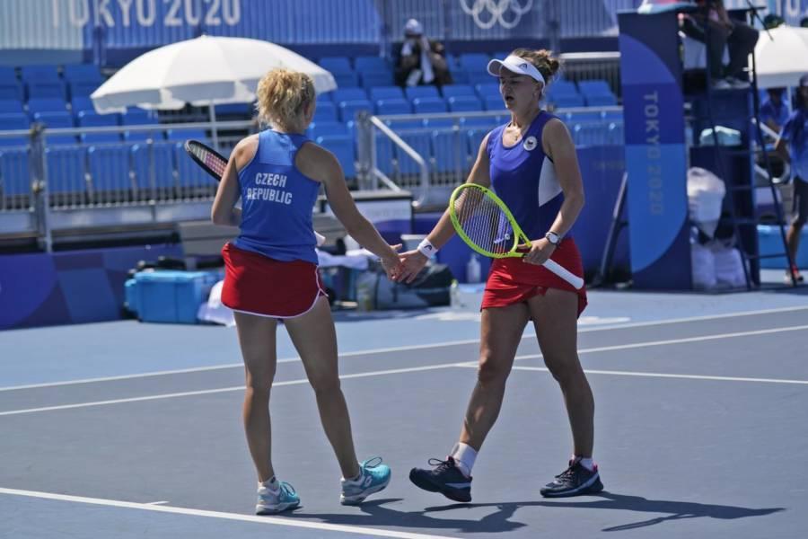 Tennis, Olimpiadi Tokyo: oro alla Repubblica Ceca nel doppio femminile! Krejcikova Siniakova superano Bencic Golubic