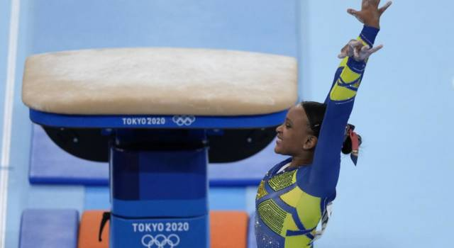 """Ginnastica, Rebeca Andrade ai Mondiali dopo i trionfi delle Olimpiadi: """"Qui ho rotto il crociato, voglio ispirare i bambini"""""""