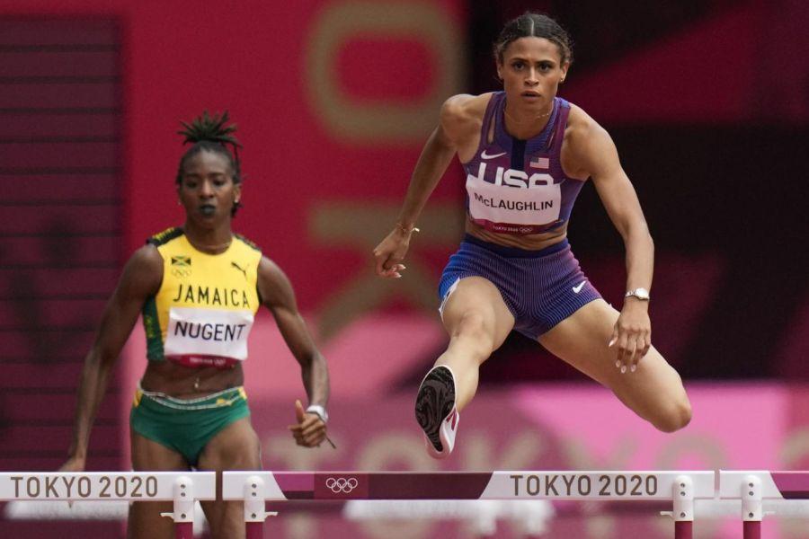 Atletica, Sydney McLaughlin stampa un formidabile record del mondo nei 400 ostacoli ed è oro olimpico