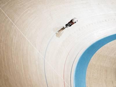 VIDEO Incidente Danimarca-Gran Bretagna, ciclismo su pista: la decisione dei giudici