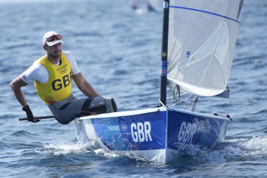 Vela, Giles Scott si conferma campione olimpico. Era il tattico di Ben Ainslie contro Luna Rossa…