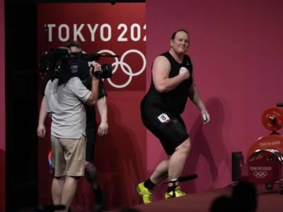 Sollevamento pesi, Olimpadi Tokyo: Laurel Hubbard annuncia il ritiro dalle competizioni