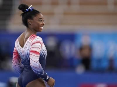 VIDEO Simone Biles, ritorno antologico alle Olimpiadi: bronzo alla trave dopo i blocchi mentali. Riviviamo l'esercizio
