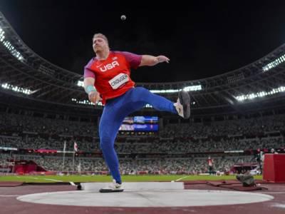 Atletica, Olimpiadi Tokyo: risultati 5 agosto. Pichardo sfiora i 18 metri, Crouser pazzesco 23.30. 4×100 azzura in finale