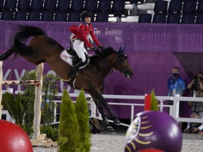 Equitazione, dressage Aachen 2021: Jessica von Bredow-Werndl vince col brivido, seconda Simone Pearce