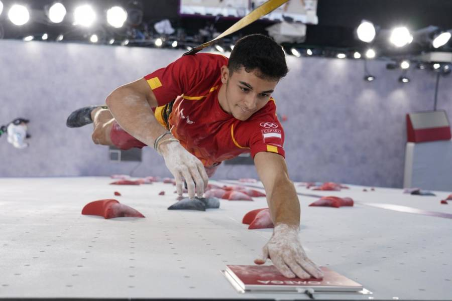 Arrampicata sportiva, Olimpiadi Tokyo: Alberto Gines Lopez oro a sorpresa! Ondra e Narasaki senza medaglie