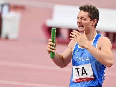 FOTO FINISH Italia batte Gran Bretagna di un centesimo! 4×100 in trionfo alle Olimpiadi, il volo di Tortu