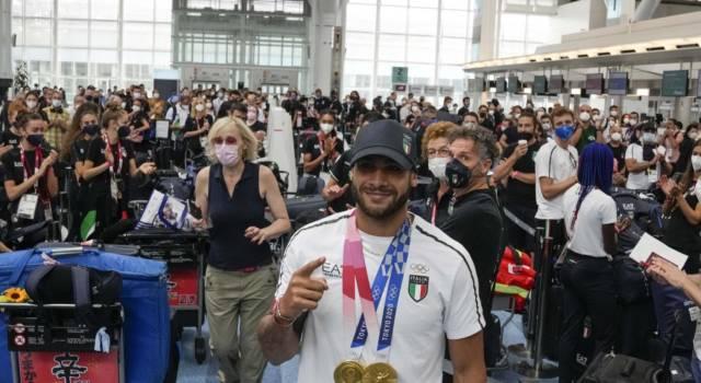 VIDEO Marcell Jacobs torna in Italia. Accoglienza da star per il velocista azzurro