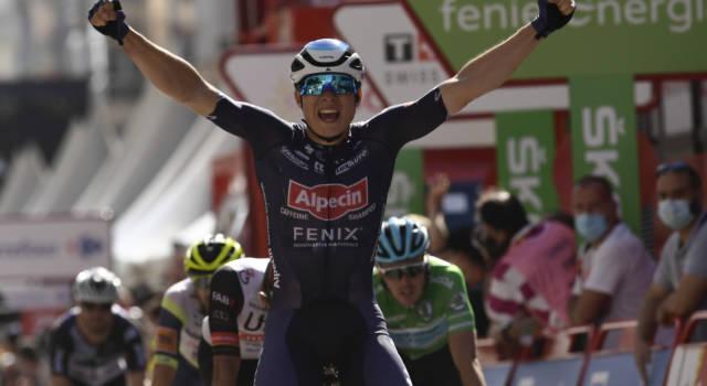 Ciclismo, Philipsen vince il GP di Francoforte allo sprint. Jakobsen fa festa al Gooikse Pijl in volata