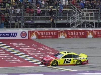 NASCAR, Daytona: Blaney concede il bis, Reddick conquista l'ultimo pass per i Playoffs
