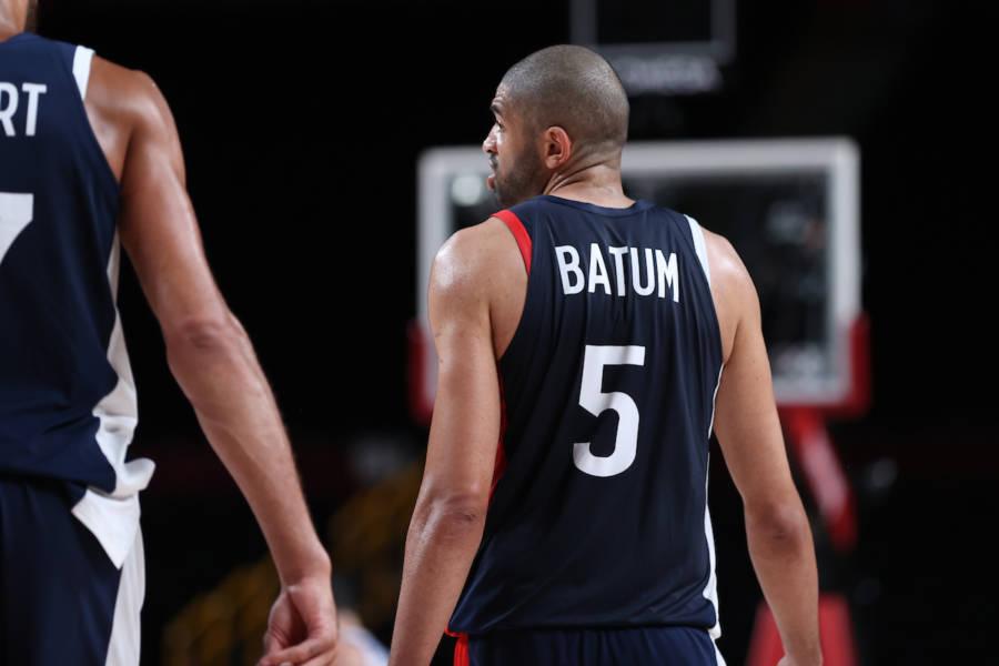 VIDEO Francia Slovenia, Olimpiadi Tokyo basket: la stoppata di Batum che regala alla Francia la finale. E poi consola Doncic