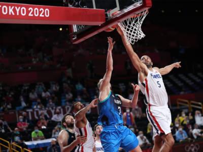 Basket, Olimpiadi Tokyo: Nicolas Batum, la stoppata della vita! Francia in finale, la tripla doppia di Luka Doncic non basta alla Slovenia