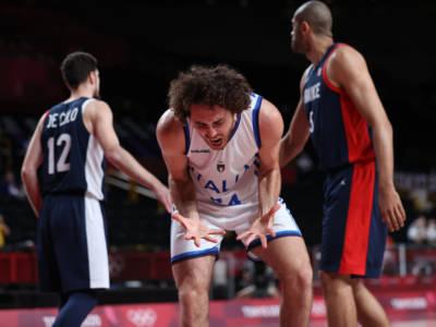 Basket: una grande Italia si arrende alla Francia solo nel finale. Olimpiadi di Tokyo chiuse ai quarti