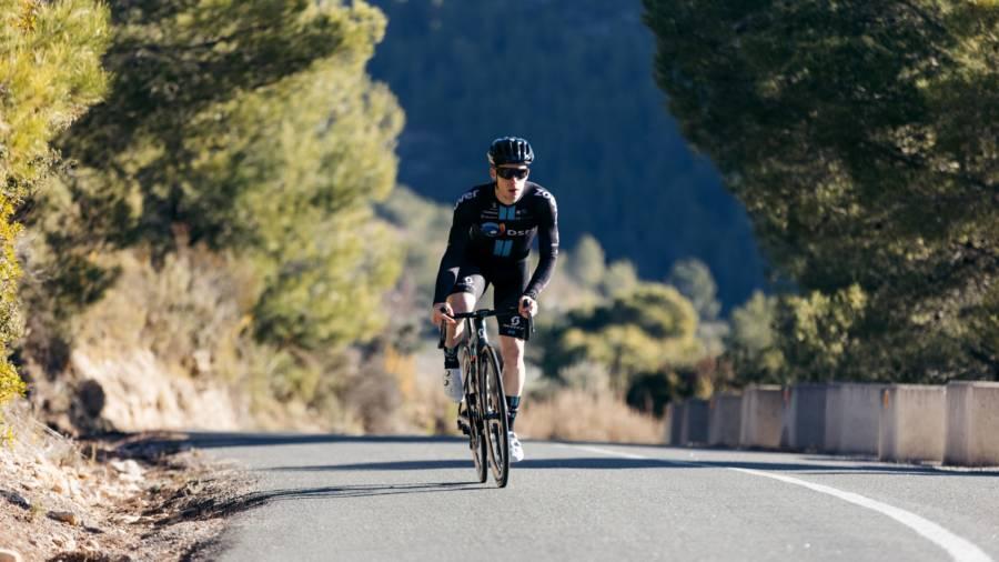 Ciclismo, il giovane talento belga Ilan Van Wilder denuncia il Team DSM per la mancata rescissione del contratto