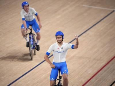 VIDEO Record del Mondo Italia ciclismo su pista: Filippo Ganna trascina il quartetto in finale per l'oro