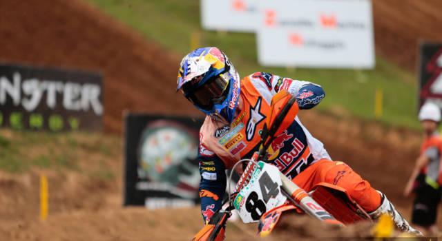 Motocross MXGP, Herlings vince ancora in Sardegna: in testa al Mondiale. Tony Cairoli assente, ma nessuna frattura