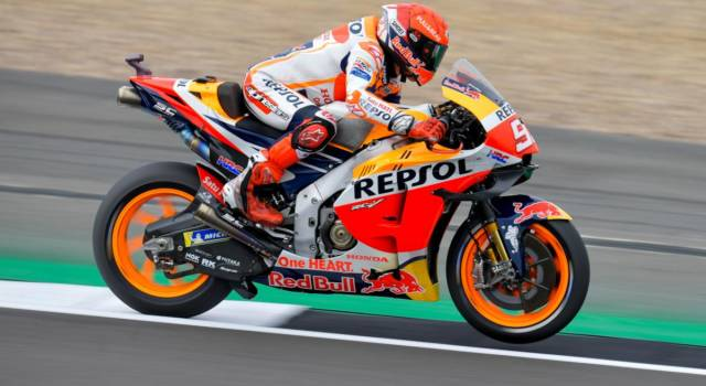 MotoGP, risultati e classifica FP1 GP Aragon: Marc Marzquez comanda davanti a Mir e Bagnaia
