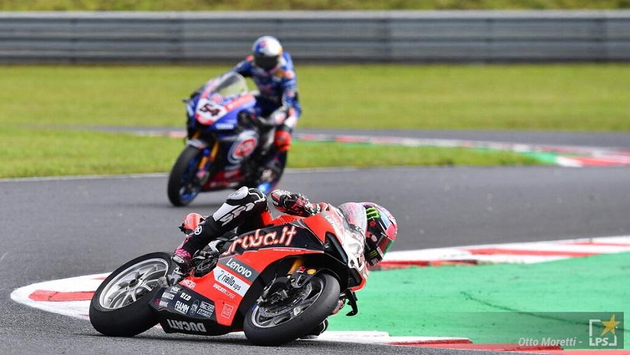 Superbike, Scott Redding vince in fuga gara 2 in Argentina. 2° Rea davanti a Razgatlioglu, 4° Bassani e 5° Rinaldi
