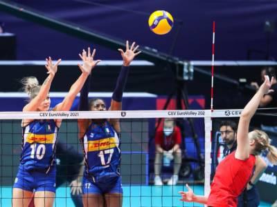 LIVE Italia-Slovacchia 3-1, Europei volley donne in DIRETTA: le azzurre a fatica conquistano la terza vittoria consecutiva