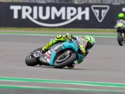 MotoGP, Valentino Rossi disputa a Silversone una delle migliori qualifiche dell'anno