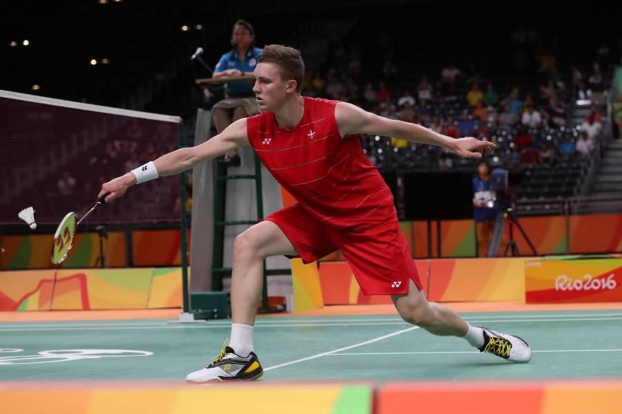 Badminton, Denmark Open 2021: Viktor Axelsen si impone in finale su Kento Momota