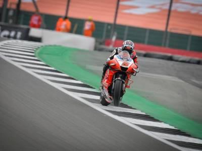 MotoGP, Zarco è il più rapido sul bagnato in FP1 a Misano. 6° Bagnaia, 18° Quartararo