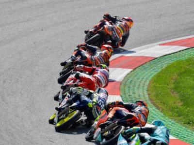 LIVE Moto3, GP Emilia-Romagna 2021 in DIRETTA: Foggia vince e riapre il Mondiale! -21 da Acosta, che limita i danni