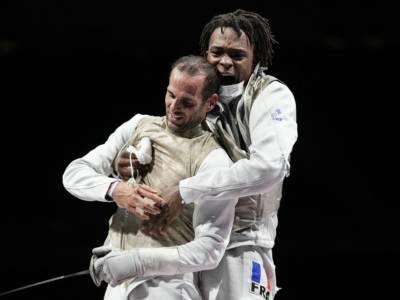 Scherma, Olimpiadi Tokyo 2021: la Francia batte la Russia e si prende l'oro del fioretto. Bronzo agli Stati Uniti