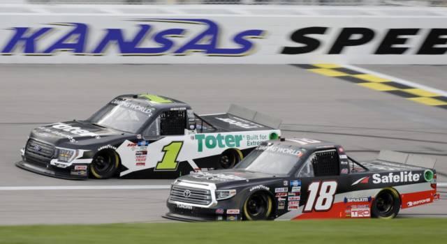 NASCAR Truck Series, Bristol: prima vittoria in carriera per Chandler Smith, che passa il turno