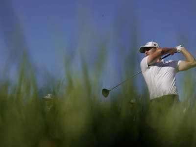 Golf, Patrick Cantlay aumenta il margine su Jon Rahm a 18 buche dal termine del Tour Championship