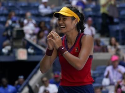 US Open 2021, quarti femminili: Emma Raducanu continua la corsa da sogno, Maria Sakkari elimina Karolina Pliskova