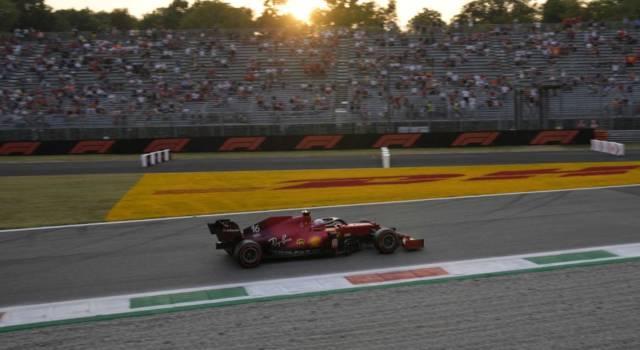 F1, Ferrari in pista a Imola: problemi per Leclerc, ai box col carro attrezzi. Provato il nuovo motore ibrido?