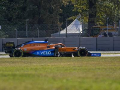"""F1, Daniel Ricciardo: """"Era da tantissimo tempo che non mi trovato in questa situazione. In gara attaccherò"""""""