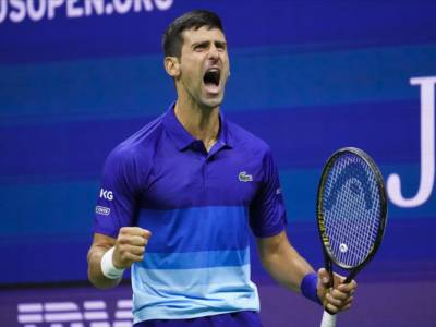 LIVE Djokovic-Medvedev 4-6 4-6 4-6, Finale US Open 2021 in DIRETTA: il russo rovina i sogni del serbo e dell'Arthur Ashe Stadium vincendo il primo Slam in carriera!