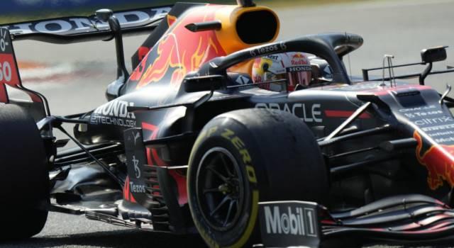 VIDEO Incidente Verstappen-Hamilton, pazzesco scontro a Monza: fuori entrambi alla prima chicane!