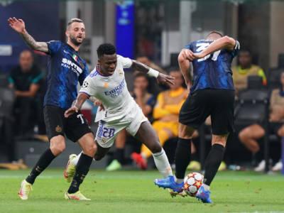 Champions League, Inter e Milan sconfitte: il Real Madrid passa allo scadere a San Siro, rossoneri ko ad Anfield