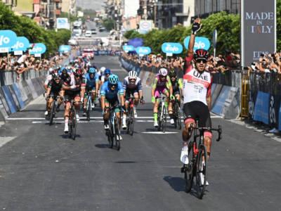 LIVE Giro di Sicilia 2021, tappa di oggi in DIRETTA: Juan Sebastian Molano concede il bis! Vittoria in volata su Fiorelli e Moschetti