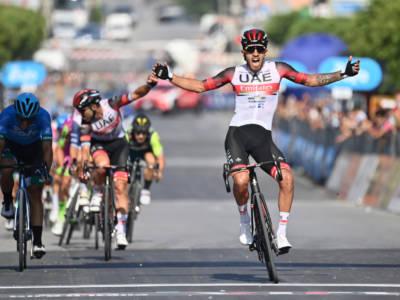 VIDEO Giro di Sicilia 2021, highlights prima tappa: Molano beffa Albanese sul traguardo