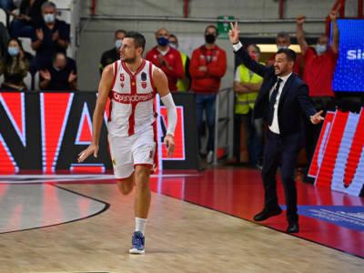 Basket, Serie A 2021-2022: vincono Trieste, Varese, Sassari. Reggio Emilia corsara al PalaDozza