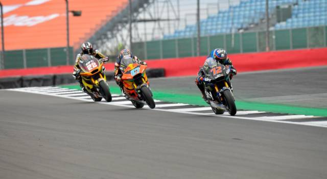 LIVE Moto2, GP San Marino 2021 in DIRETTA: pole position di Raul Fernandez. Bezzecchi ottavo e primo degli italiani