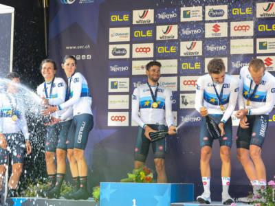 LIVE Ciclismo, Team Relay Mondiali in DIRETTA: super Ganna, ma non basta per l'oro. Italia di bronzo