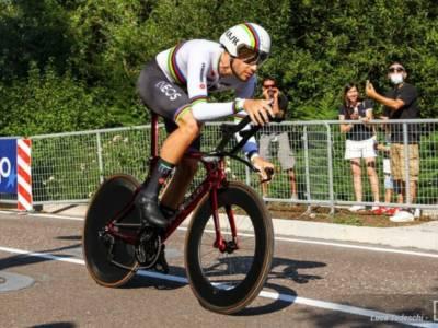 """LIVE Ciclismo, Mondiali in DIRETTA: Filippo Ganna oro per la seconda volta! """"I belgi mi hanno stimolato"""""""
