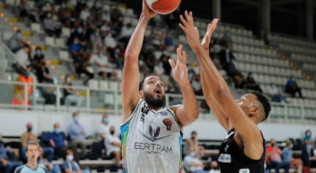 Basket, Supercoppa Italiana 2021: vincono Sassari e Tortona, che chiudono con quattro successi