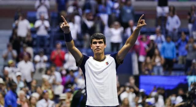 """Tennis, Carlos Alcarez verso il rientro: """"La lesione al muscolo sta evolvendo bene"""". In campo a Indian Wells?"""